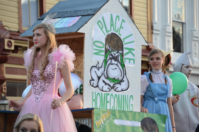 HomecomingParade2013
