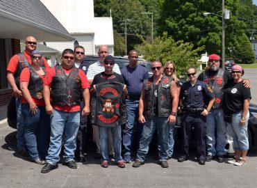 Roughnecks Donate to Officer Riggs